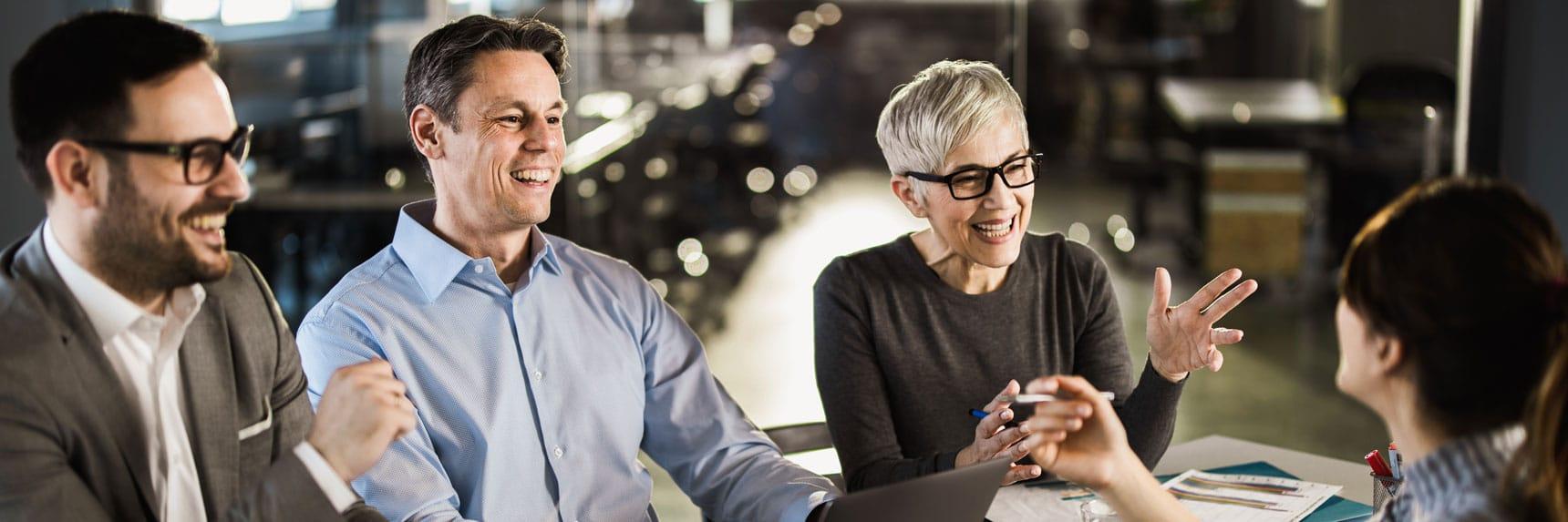 Bannière article connecter employés par Powell 365 intranet associé à Powell Teams